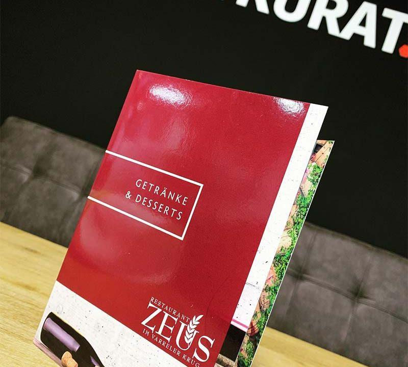 Kreation. & Print. - Getränkekarte Zeus Stuhr | ARTKURAT ® Werbeagentur - Bremen, Delmenhorst, Oldenburg | Kreativ im Detail.