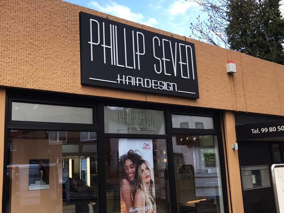 Aussenbeschilderung Referenz Visitenkarten für Phillip Seven Friseur