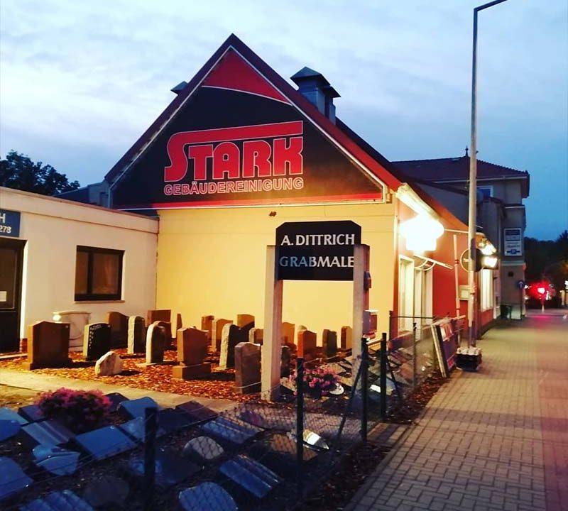 Aussenwerbung. - XXL-Banner des Dienstleisters Stark | ARTKURAT ® Werbeagentur - Bremen, Delmenhorst, Oldenburg | Kreativ im Detail.